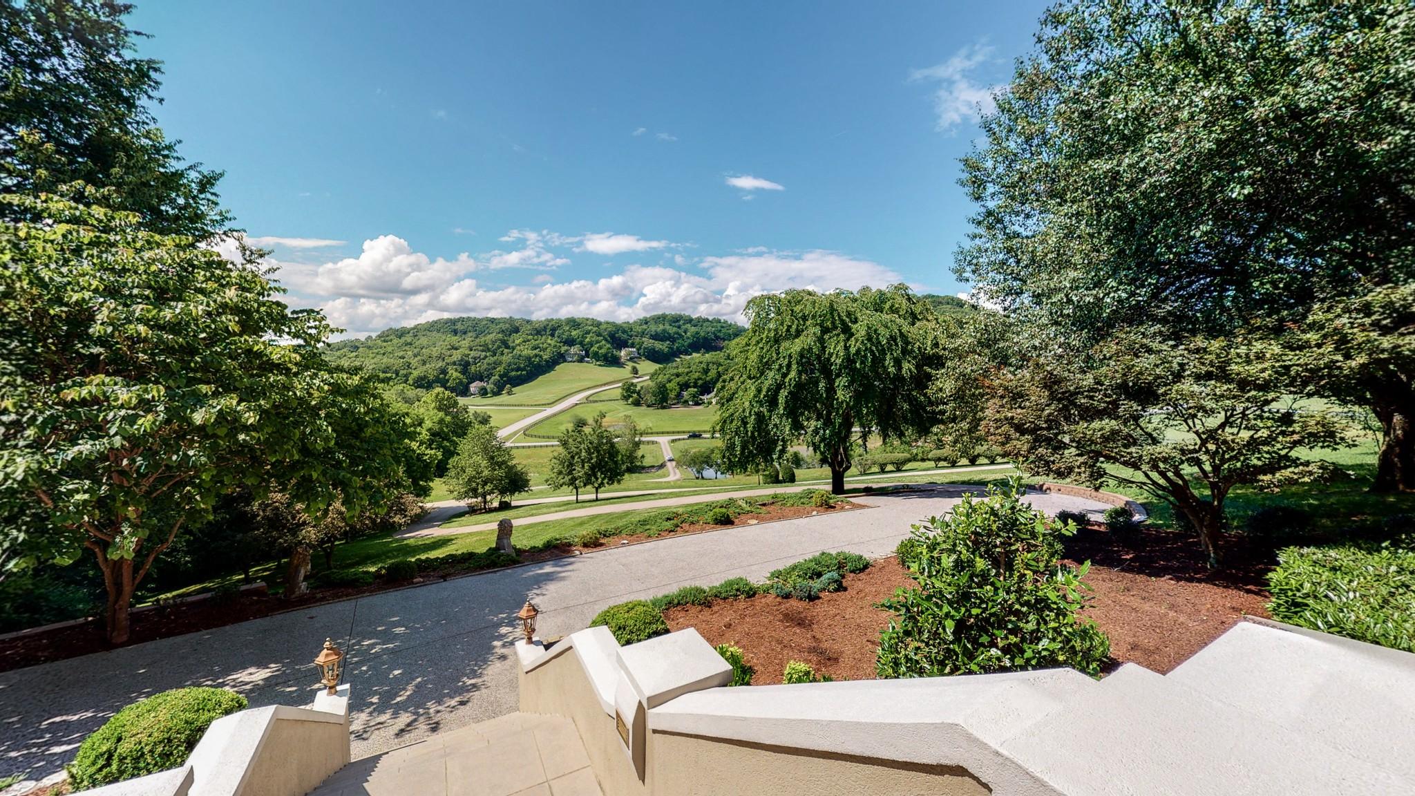 2021 Lynnwood Dr Property Photo