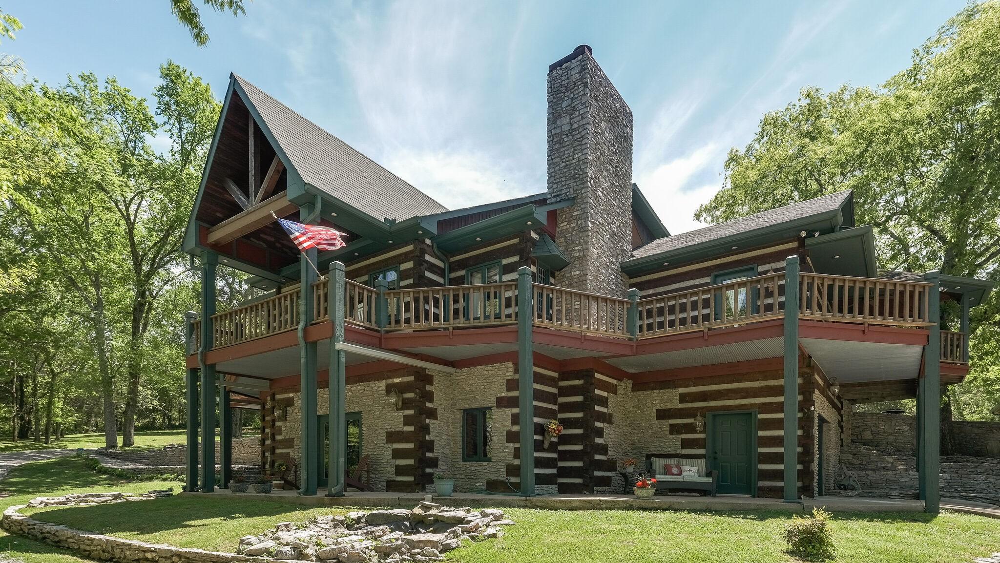 454 Bear Creek Pike Property Photo 1