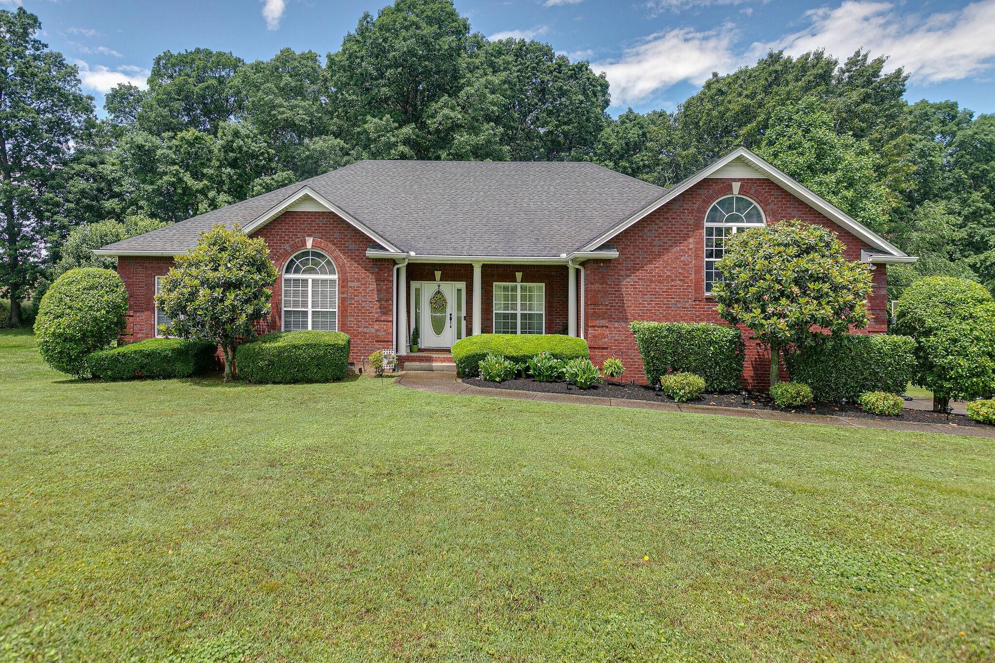 1020 Fairways Dr Property Photo