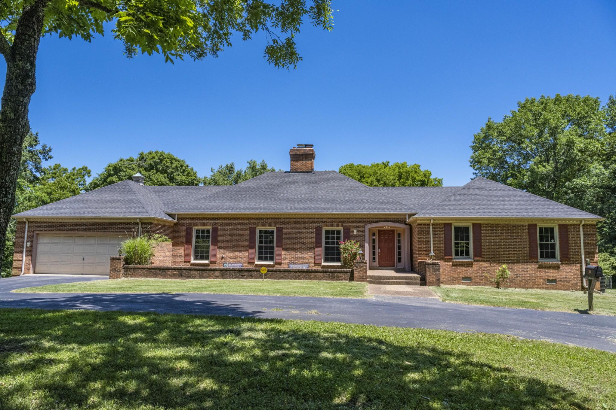 285 Dean Rd Property Photo 1