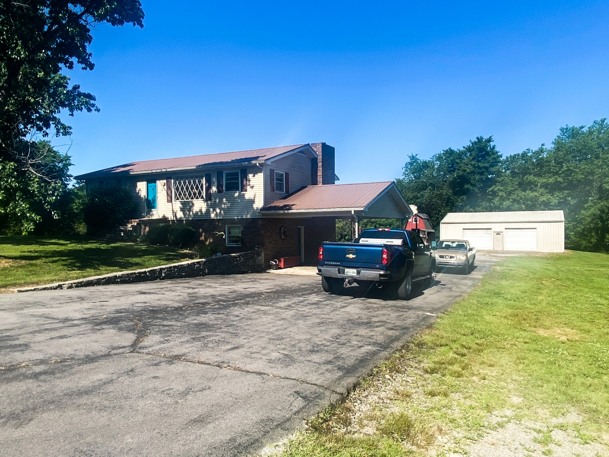 5068 Bradyville Rd Property Photo