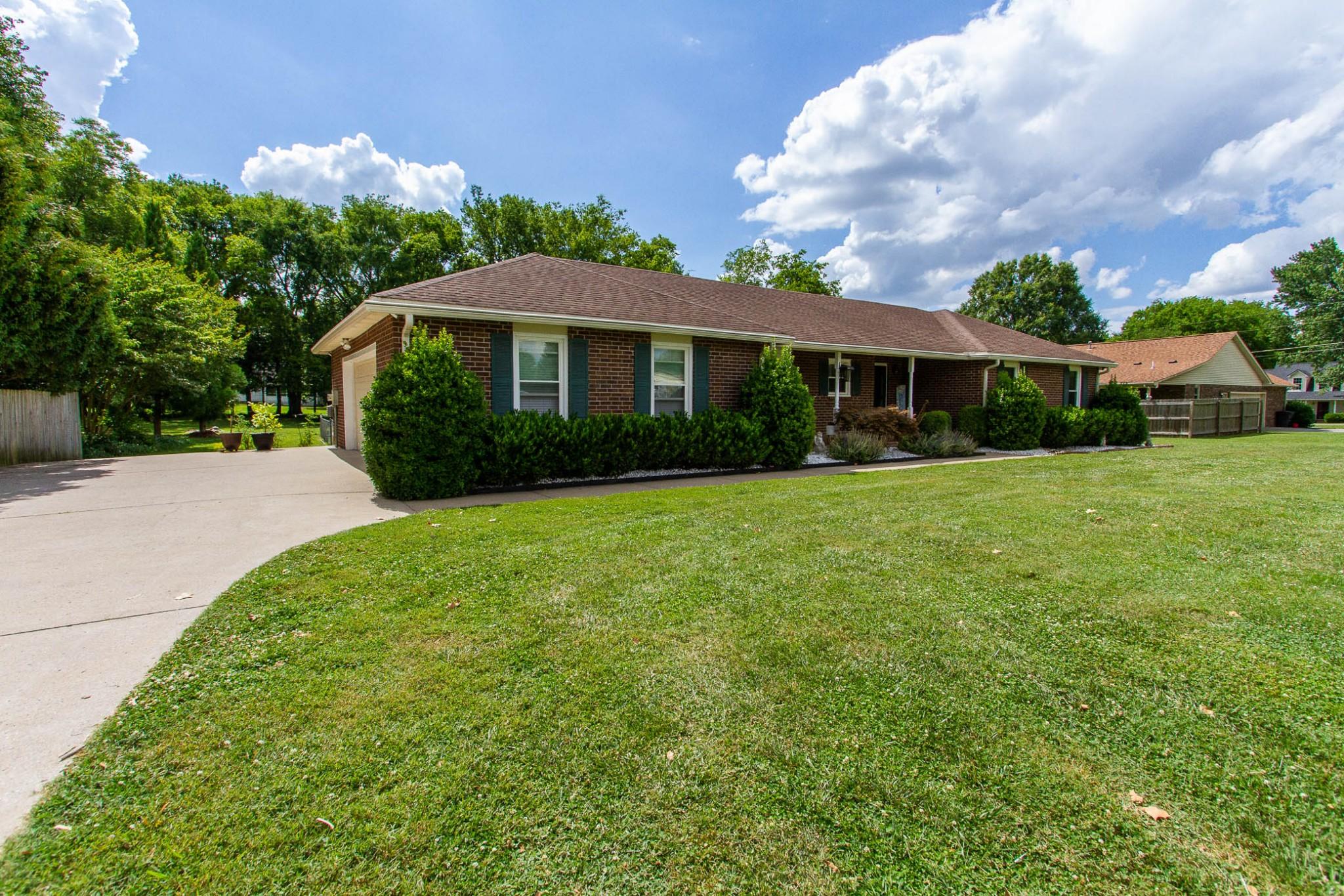 602 Windwood Dr Property Photo 1