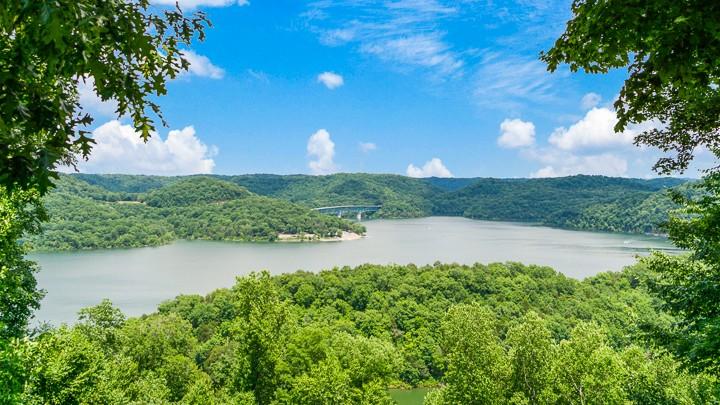 484 Bridgeview Pl Property Photo
