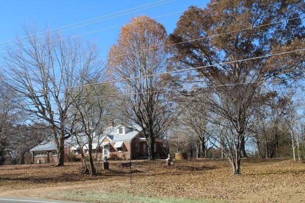4727 Highway 100 Property Photo 1