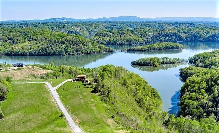 32 Holly Bend Dr Property Photo