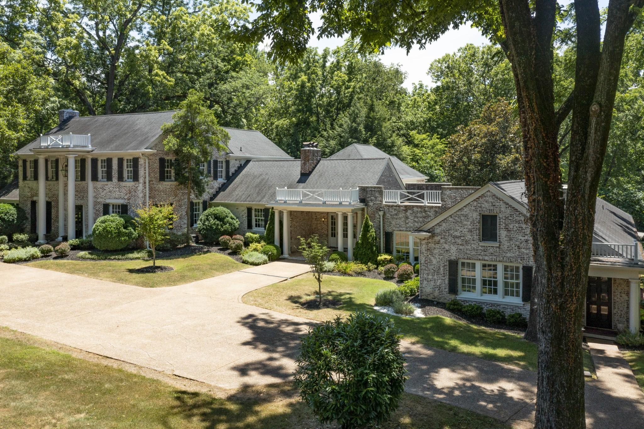 319 Lynnwood Blvd Property Photo