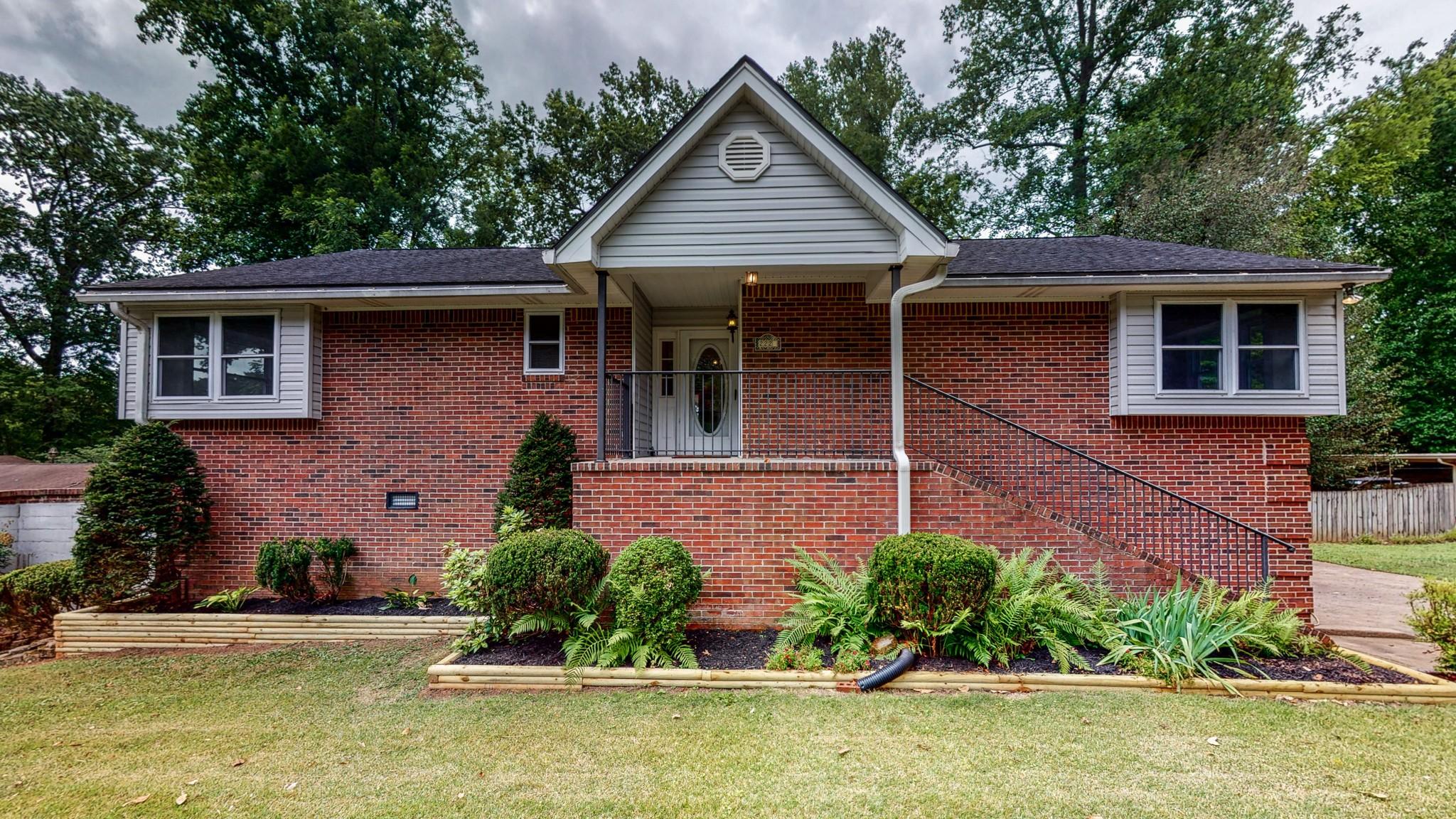 A Jackson Hgts Real Estate Listings Main Image