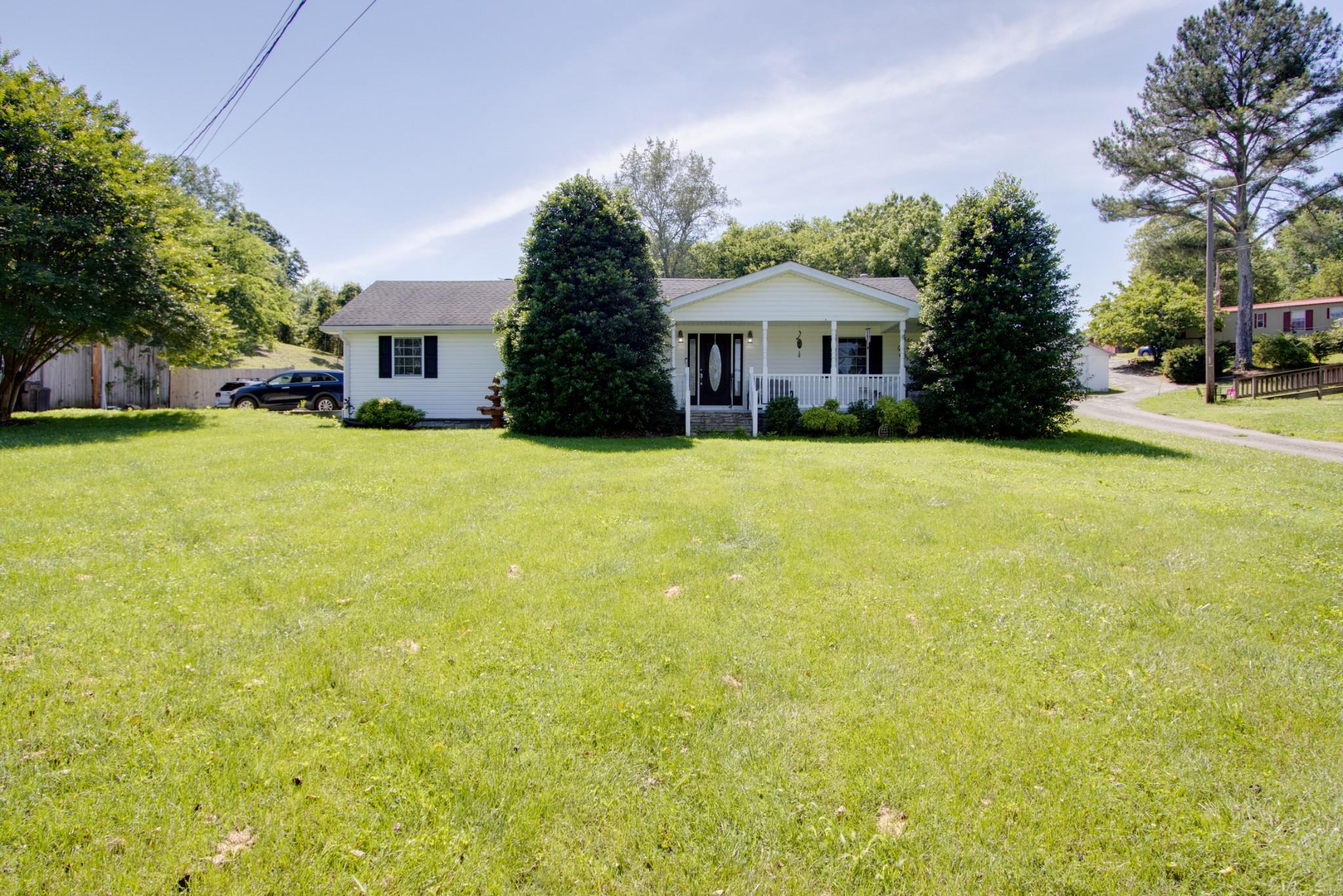248 Main St S Property Photo