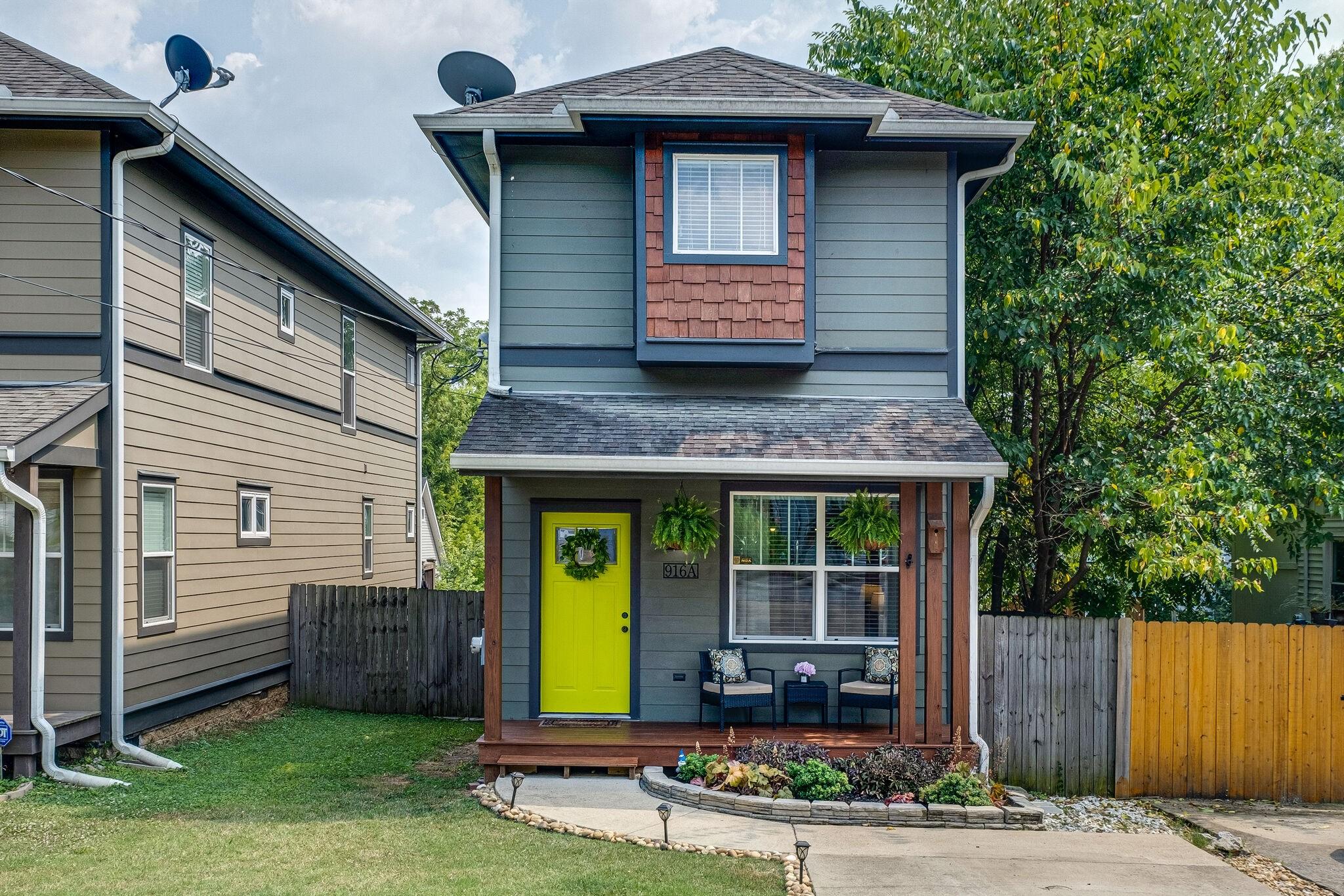 916 Thomas Avenue Townhome Real Estate Listings Main Image