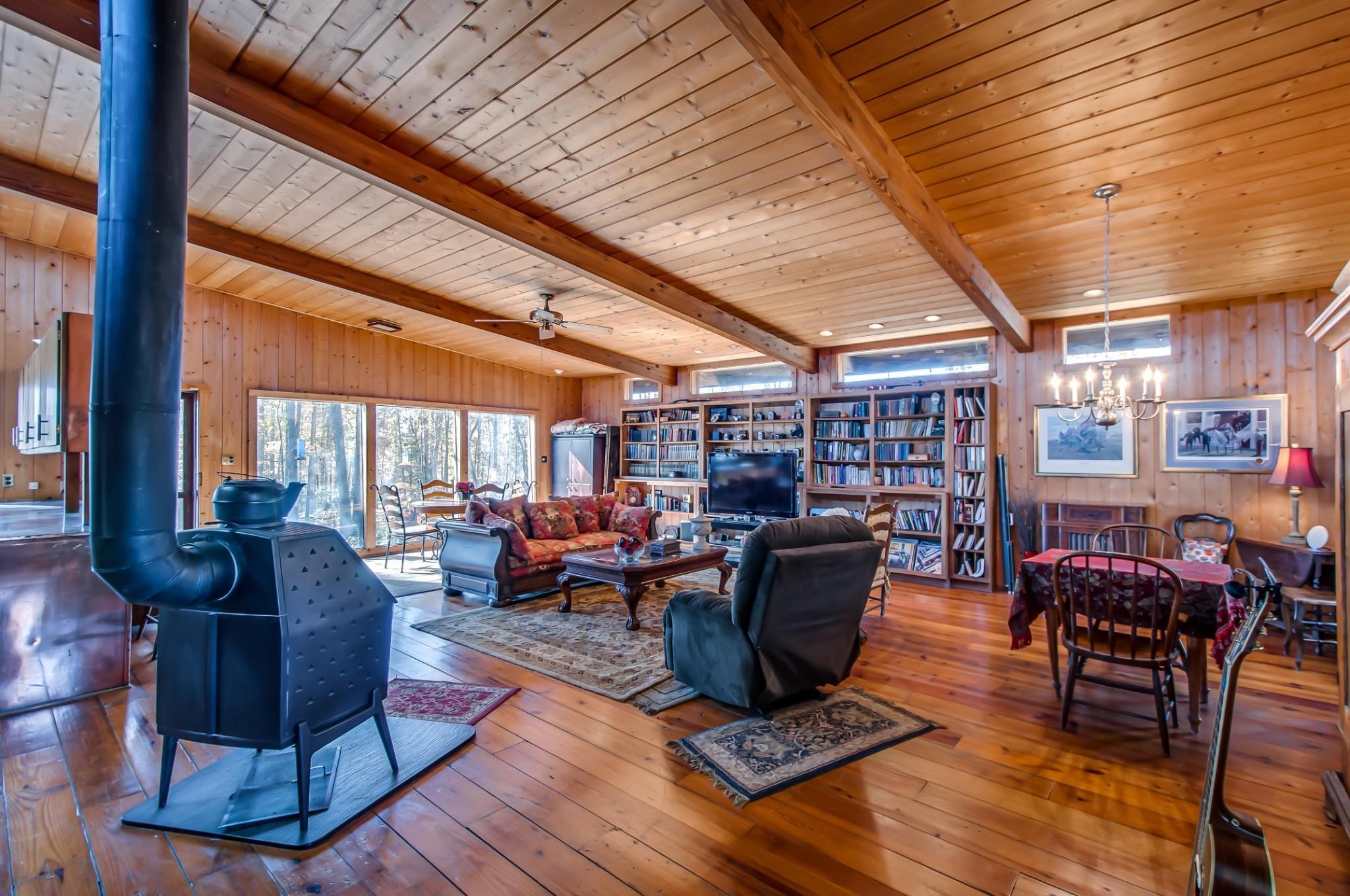 906 Ridgetop Rd Property Photo