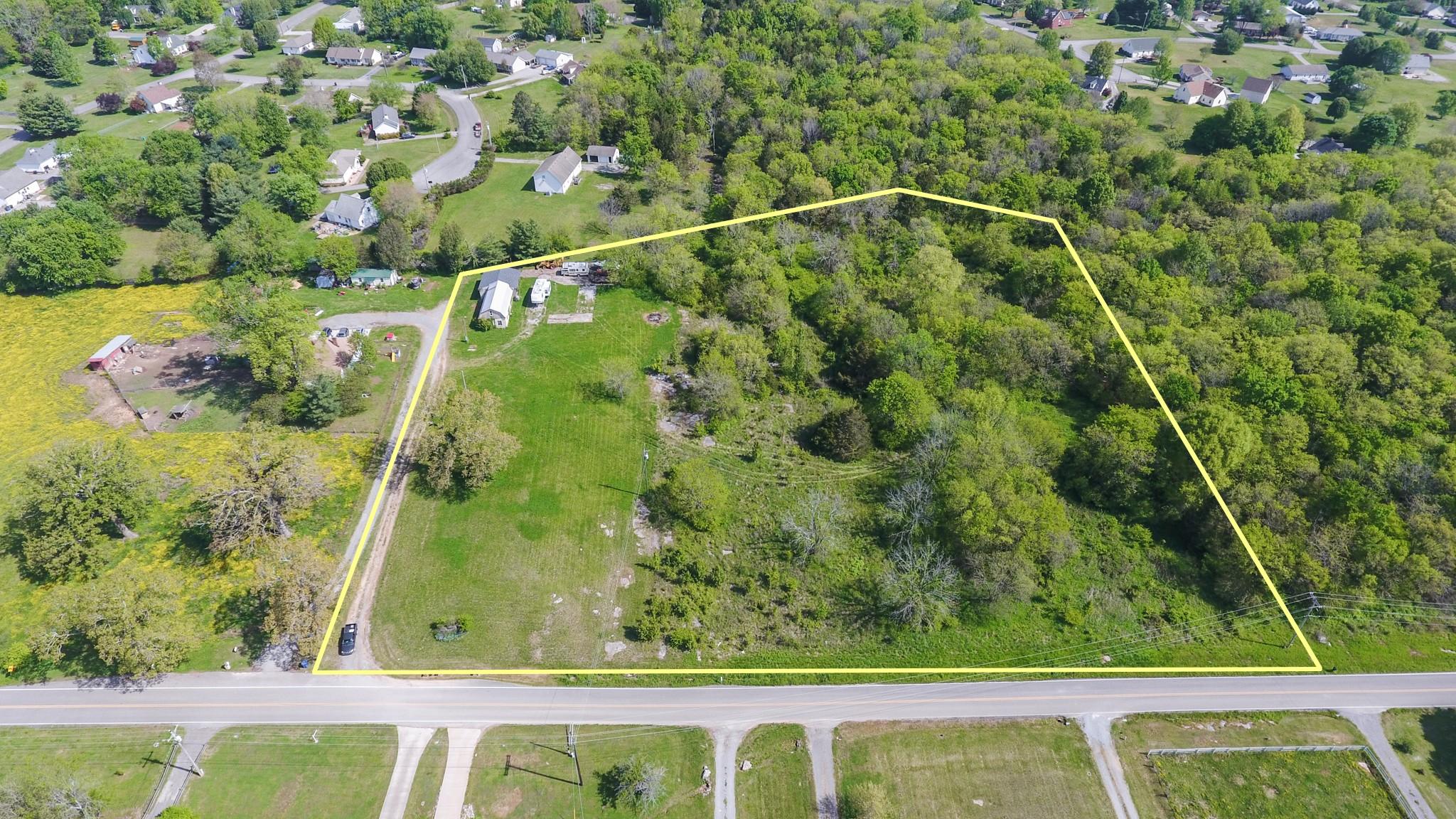 1460 Kingwood Ln Property Photo