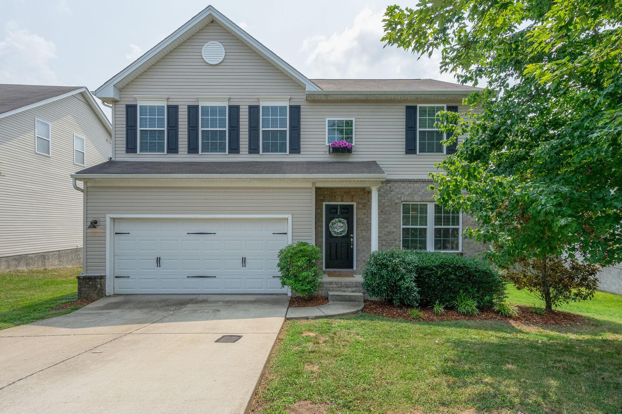752 Wolfeboro Ln Property Photo
