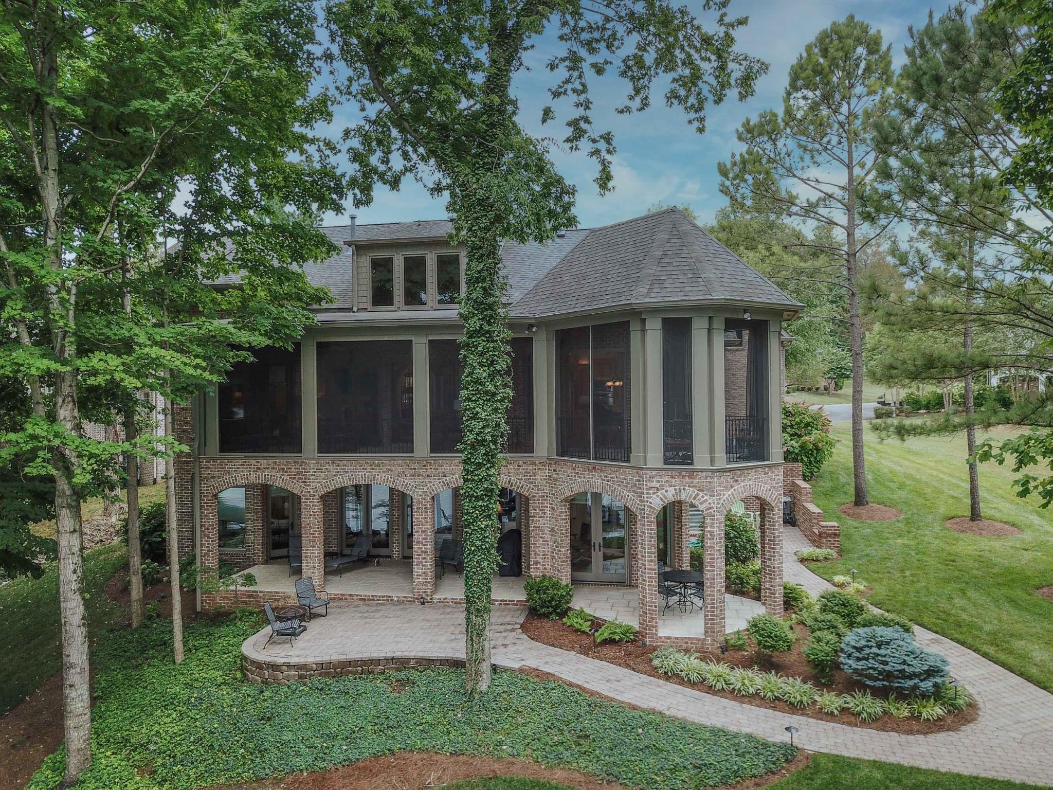 114 Ashland Pt Property Photo