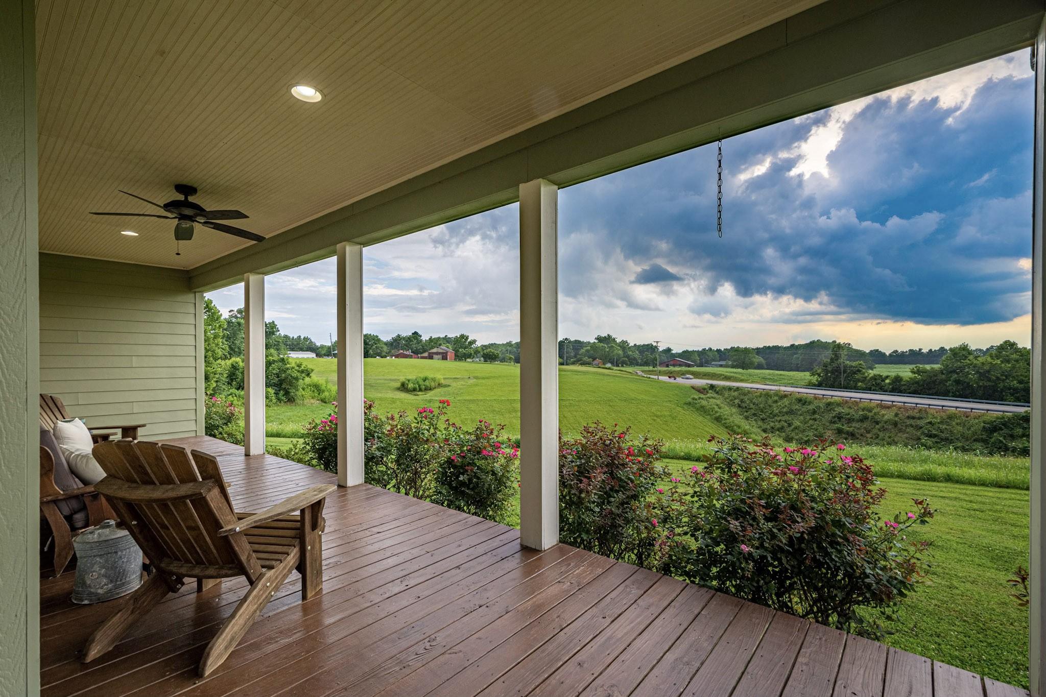 Beautiful Country Setting Real Estate Listings Main Image