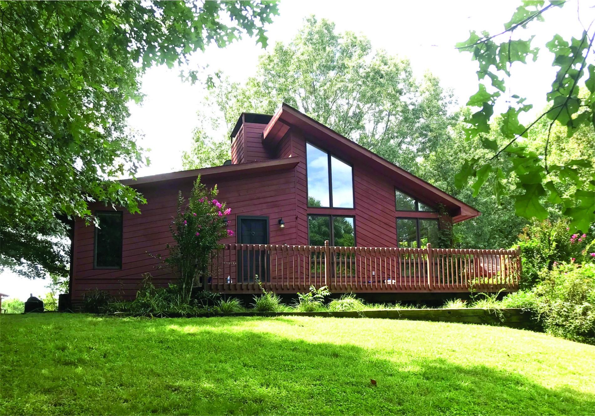 1586 Groveland Ridge Rd Property Photo 1