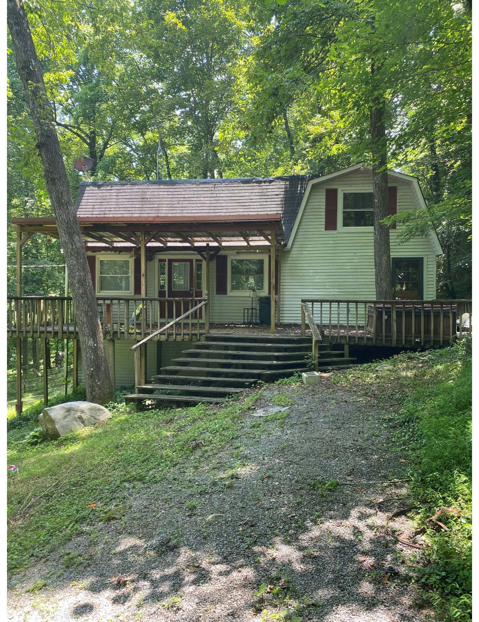 110 Robertson Hollow Rd Property Photo