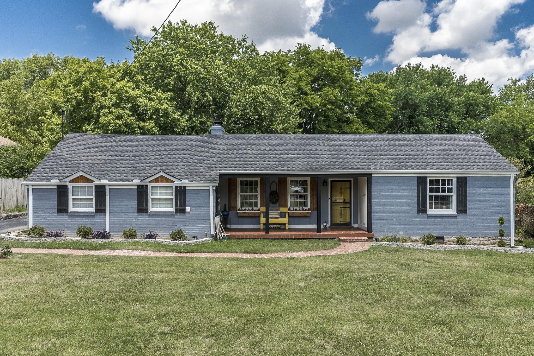 1215 Kenwood Dr Property Photo