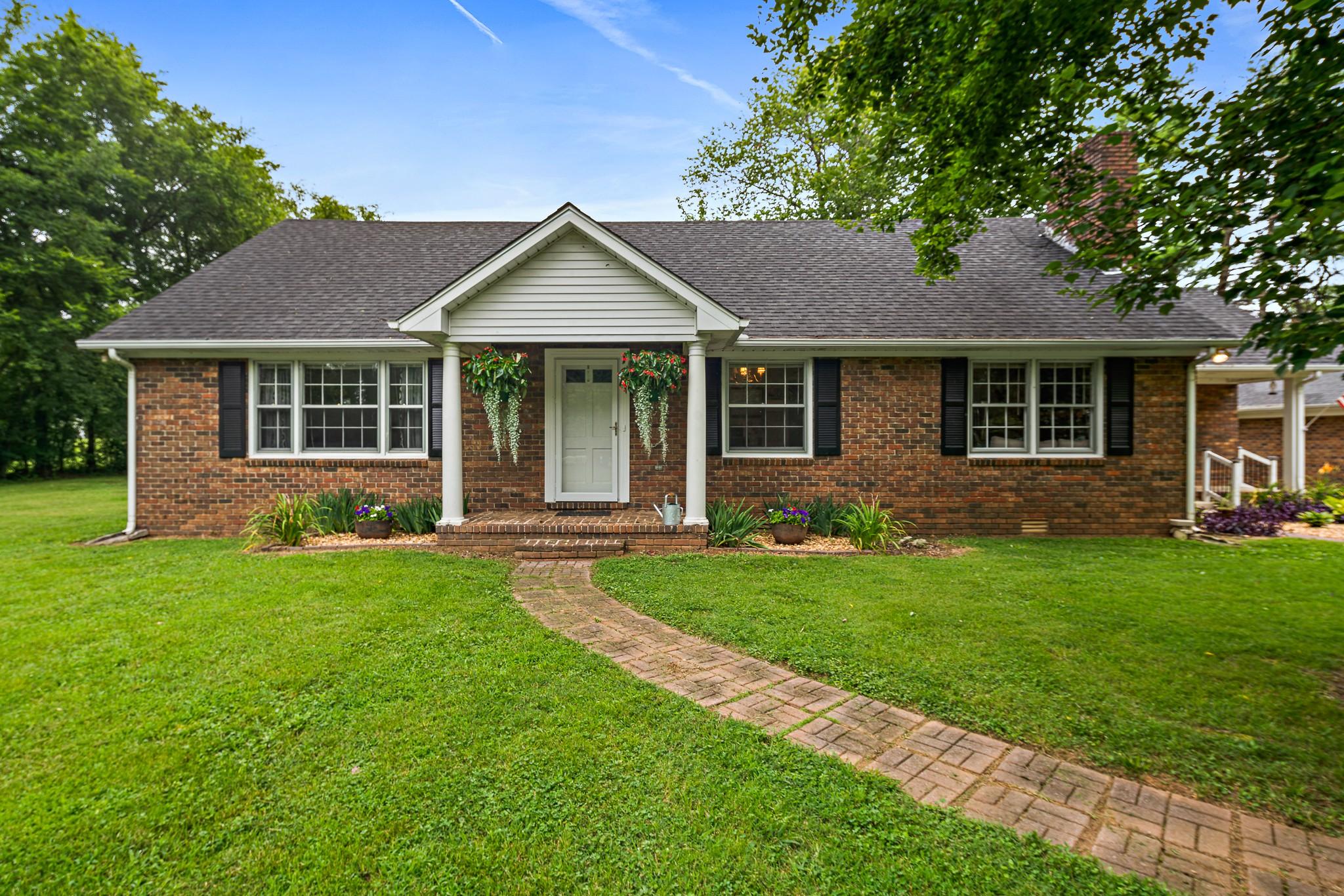 Arthur Watts Real Estate Listings Main Image