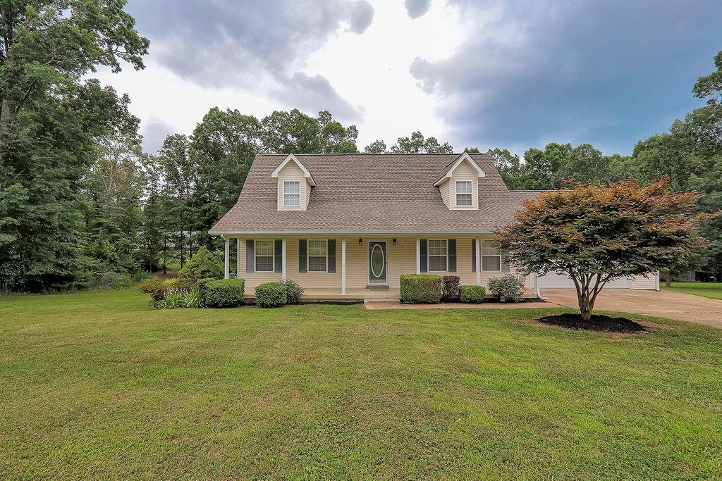 115 Pin Oaks Ln Property Photo