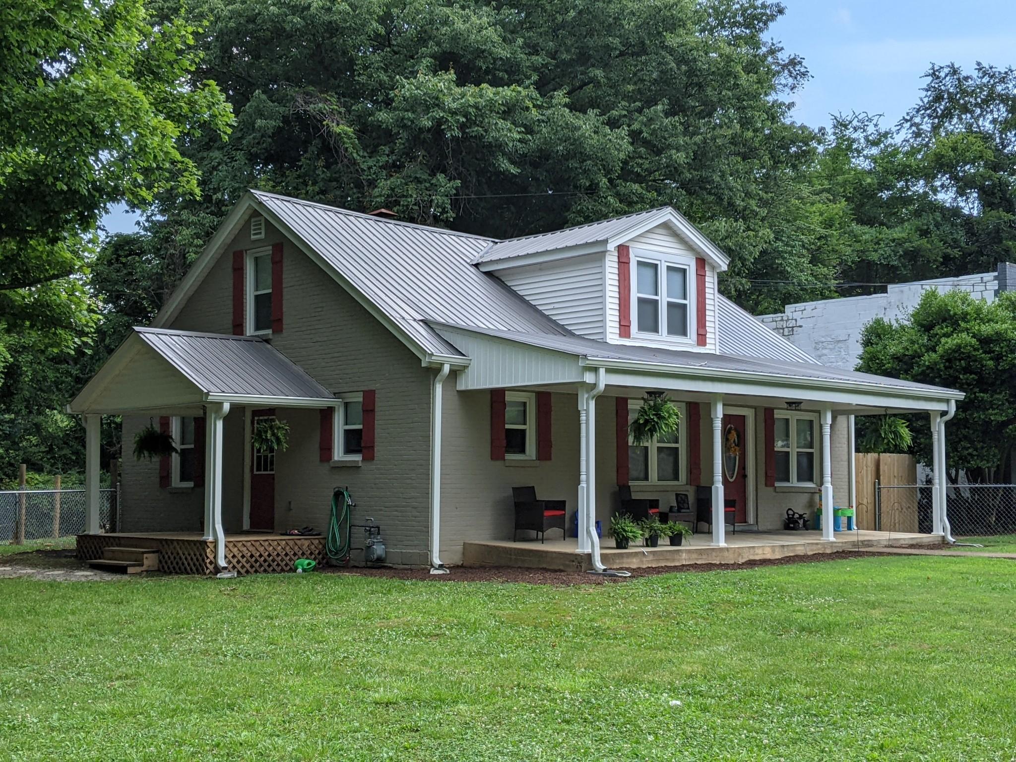 182 Linden Rd Property Photo