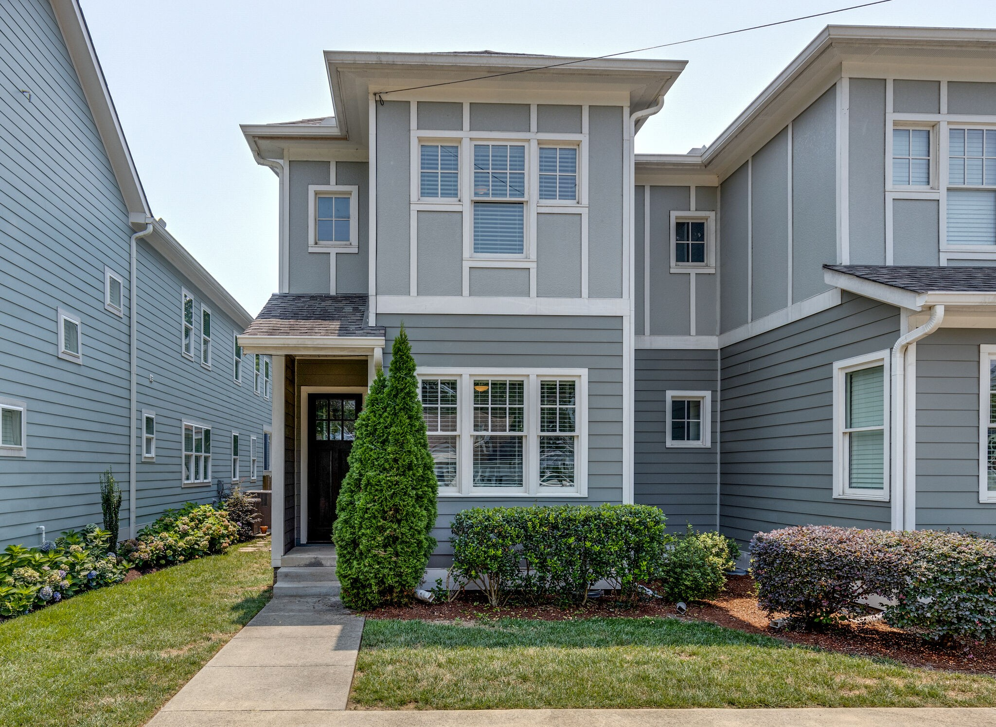 817a Knox Ave Property Photo