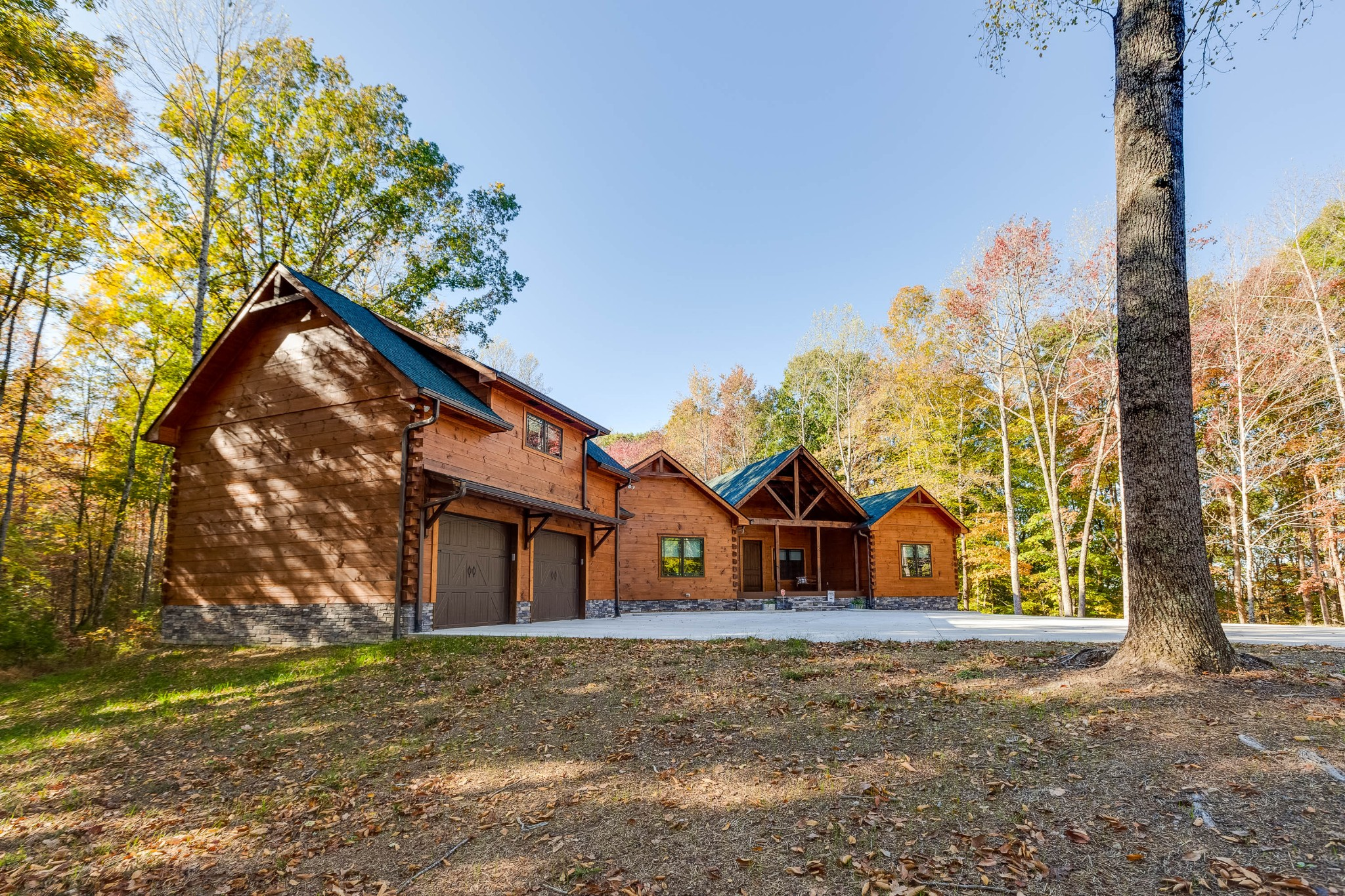 562 Ridgeview Dr Property Photo 1