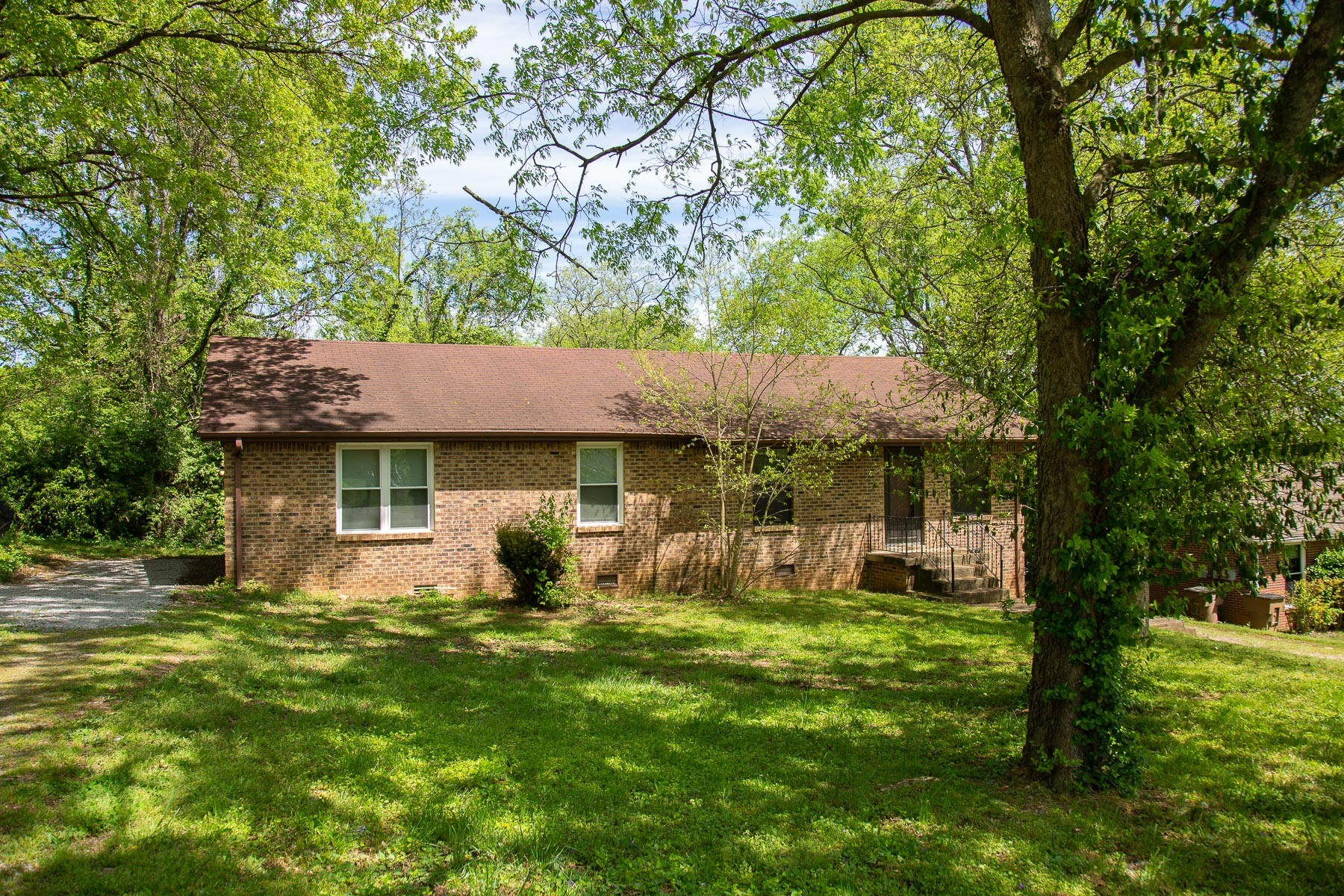 715 Virginia Ave Property Photo