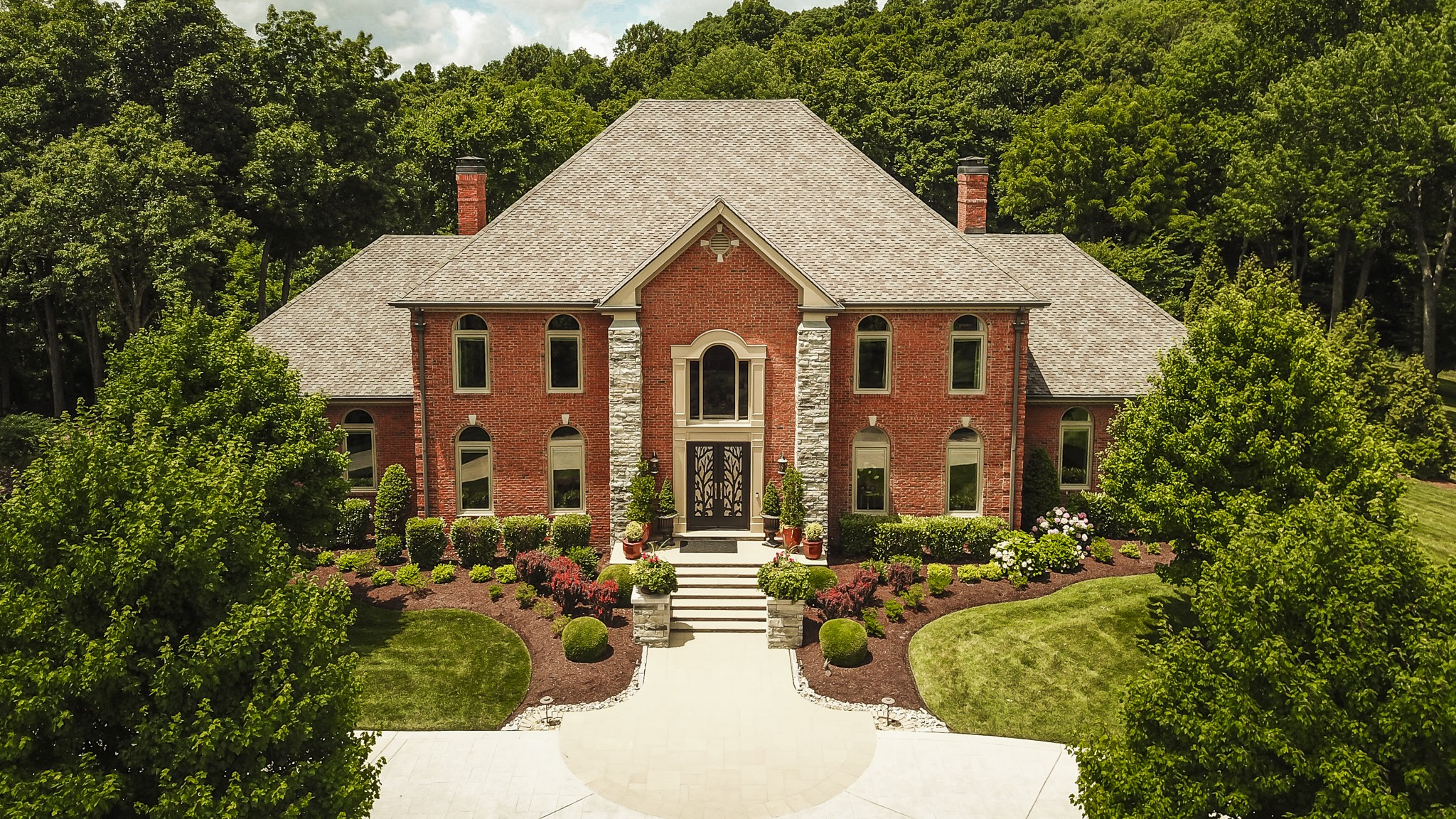 150 Oak Hill Ct Property Photo 1