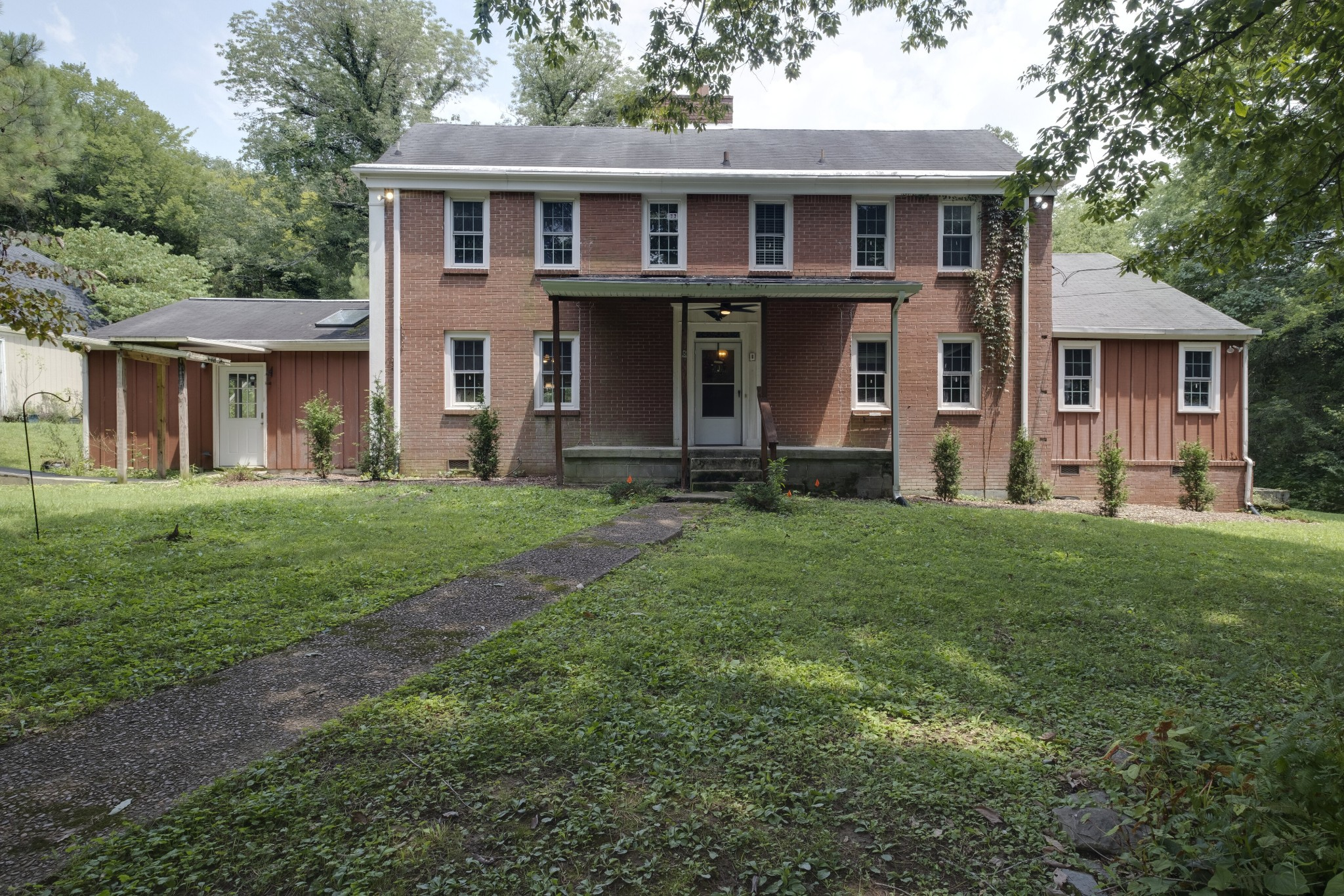 1709 Neelys Bend Rd Property Photo