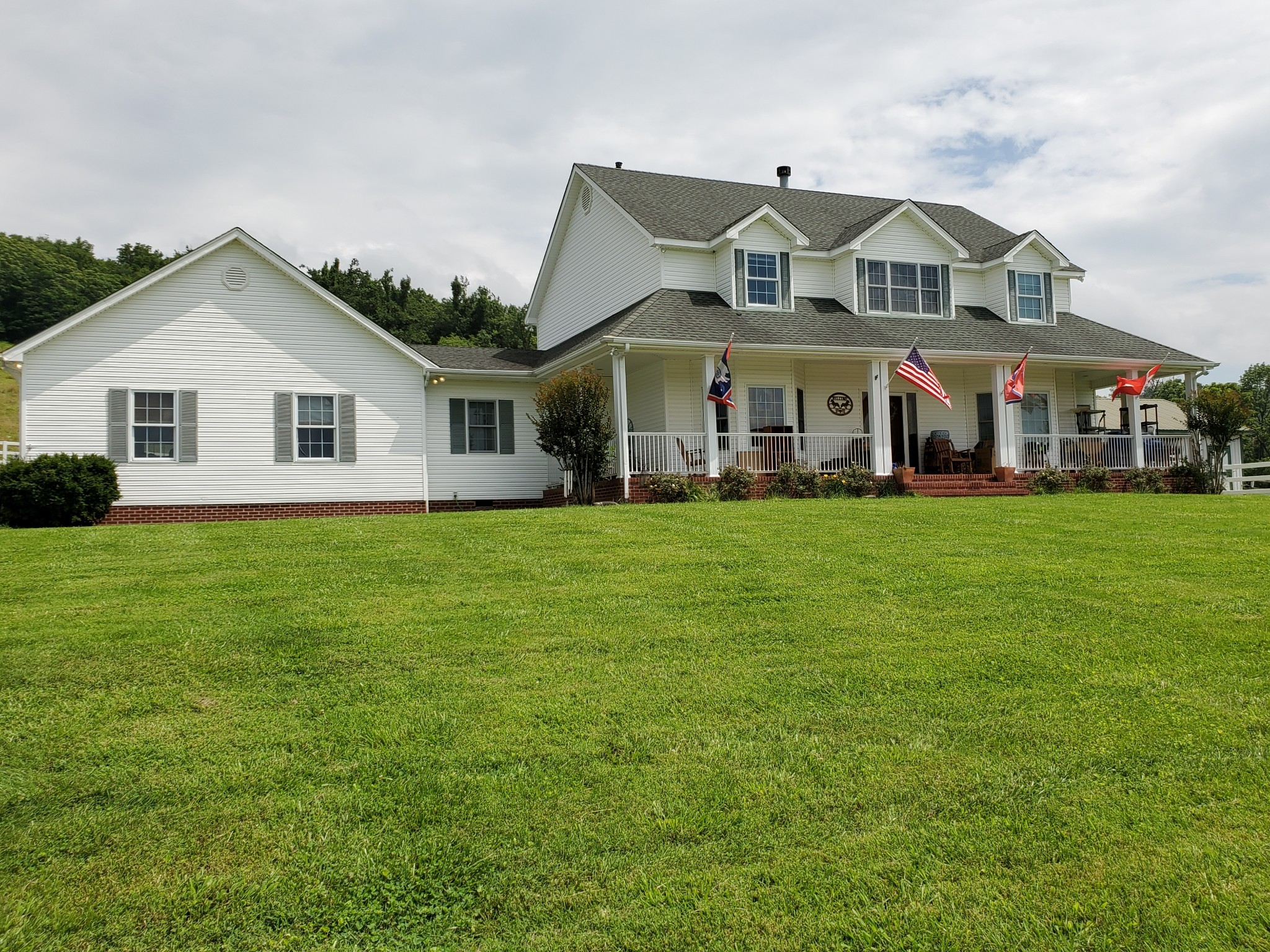 2131 Highway 130 W Property Photo