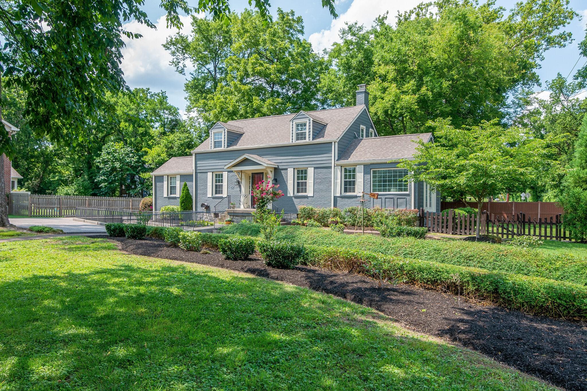1000 Gale Lane Property Photo 1