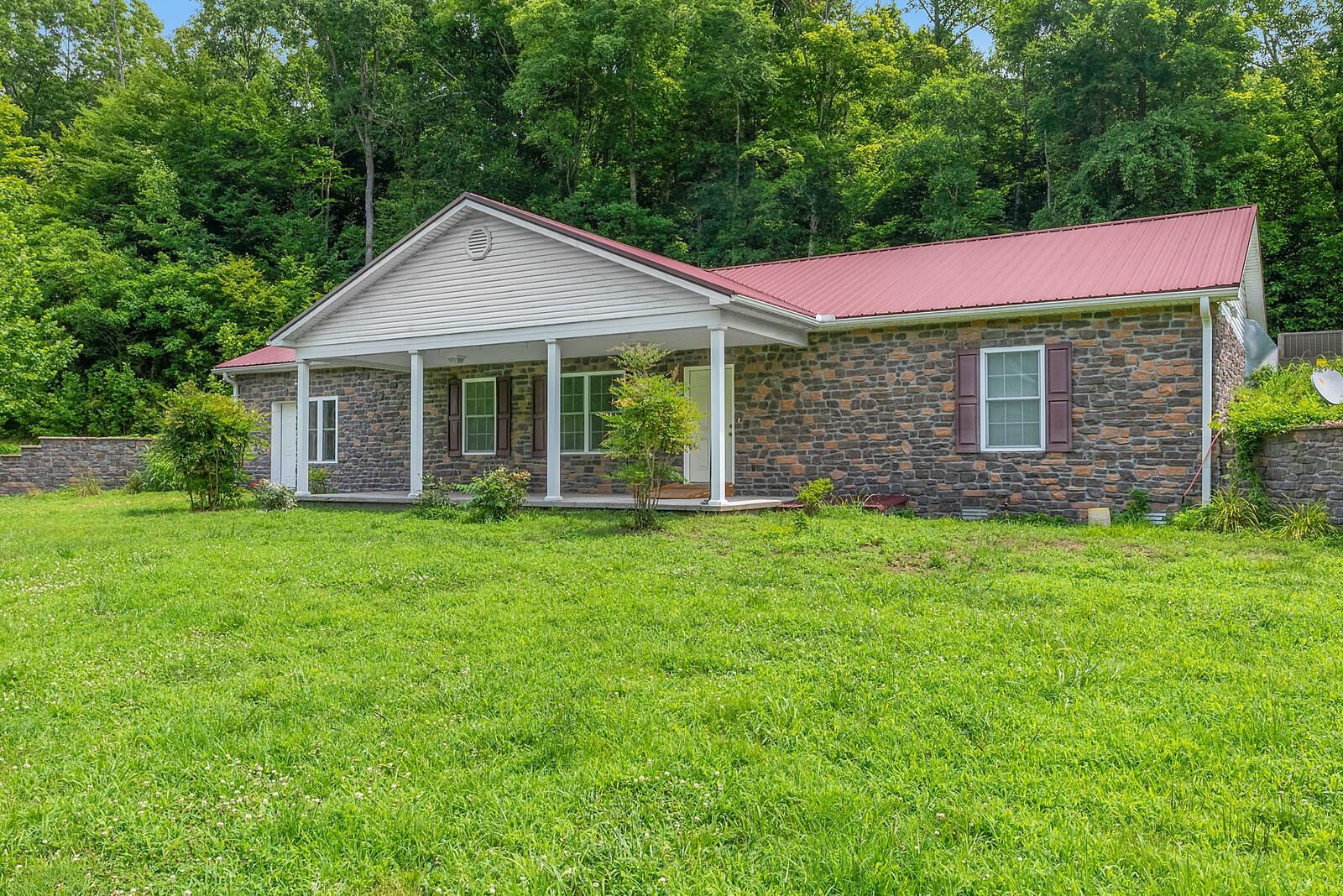 9600 New Gallatin Rd Property Photo