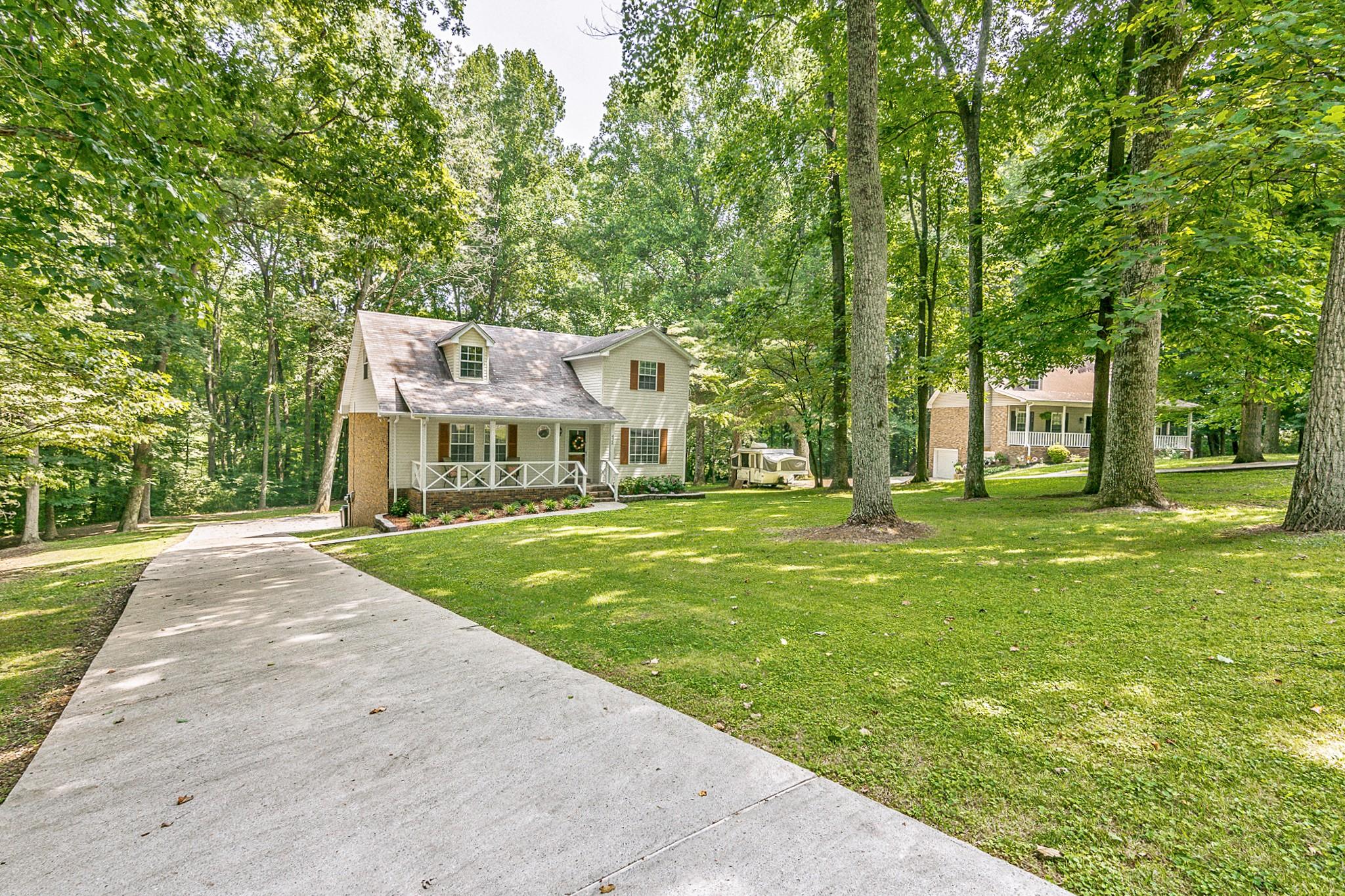 424 Tyler Ct Property Photo 1