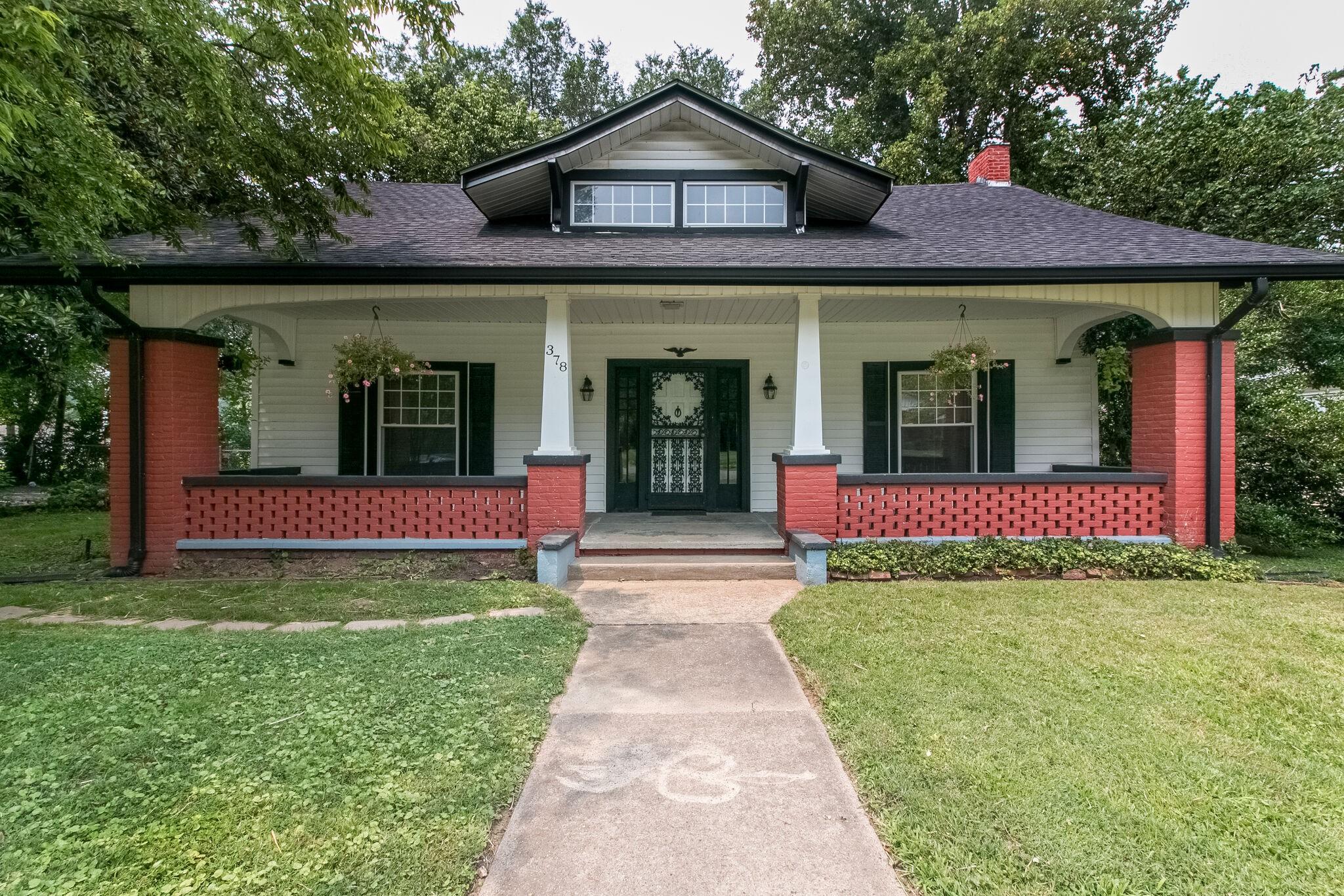 378 Third St Property Photo