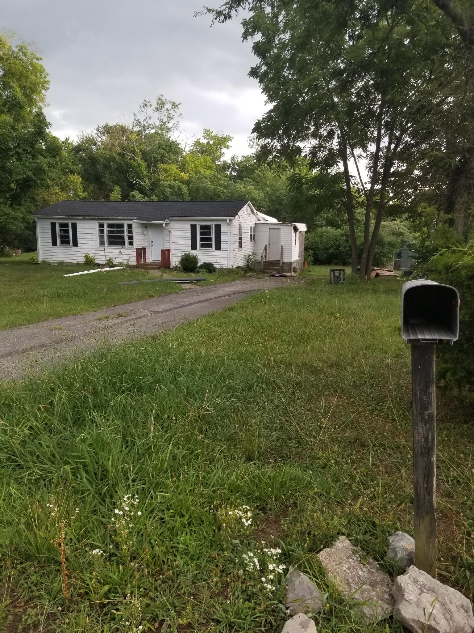 333 Walton Ln N Property Photo