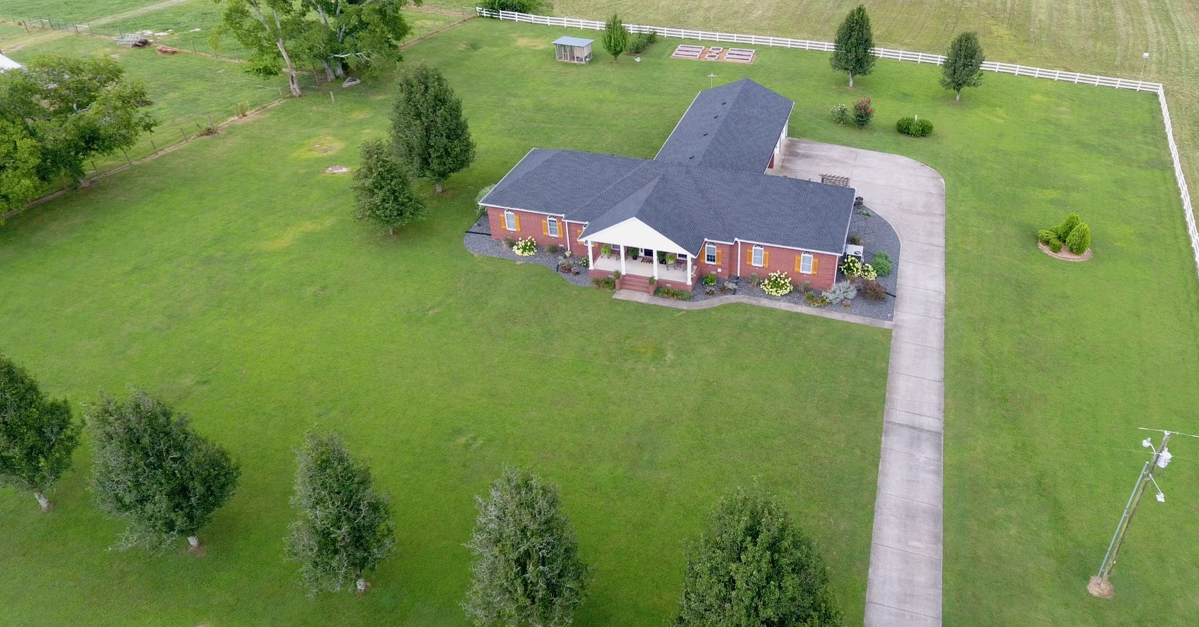256 Edd Joyce Rd Property Photo