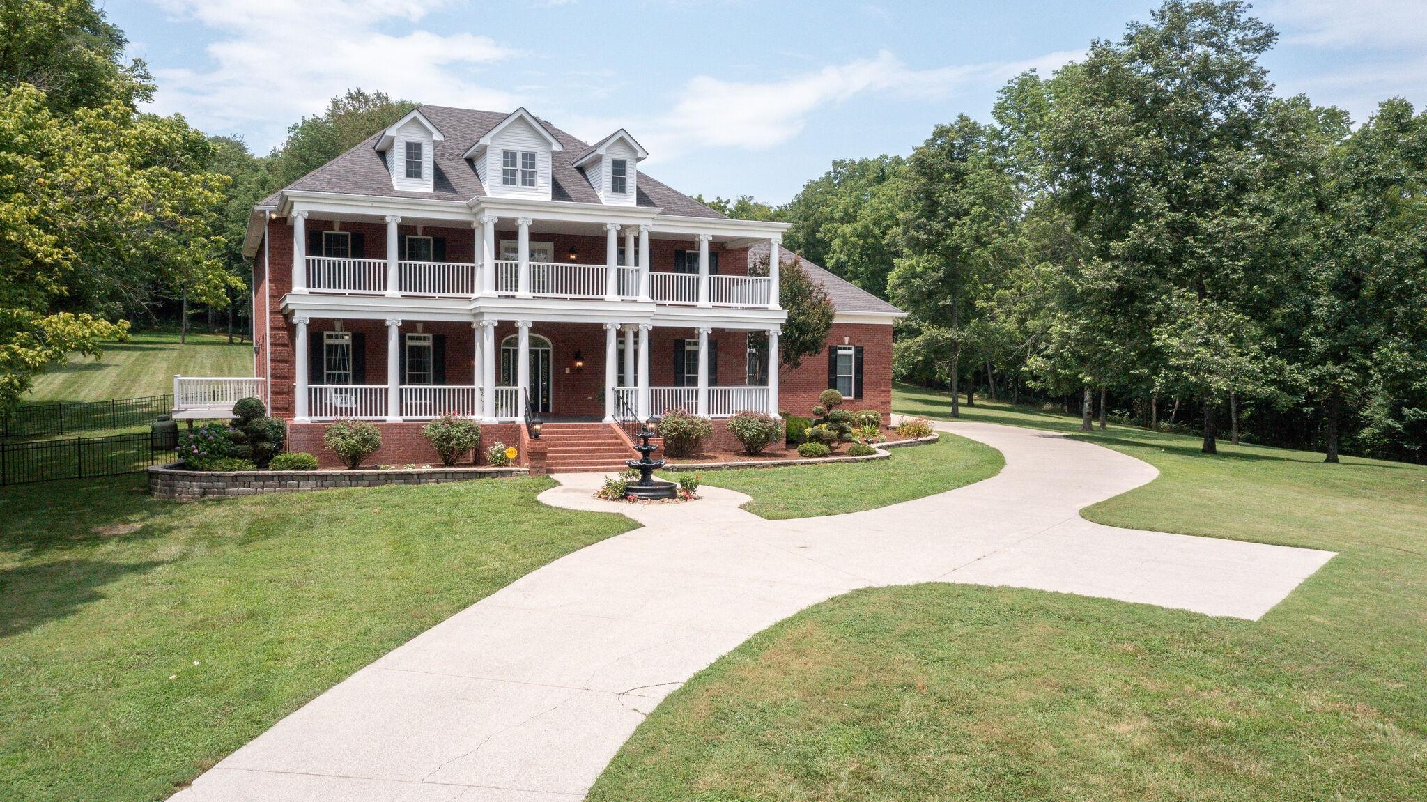 2100 Cheatham Springs Rd Property Photo