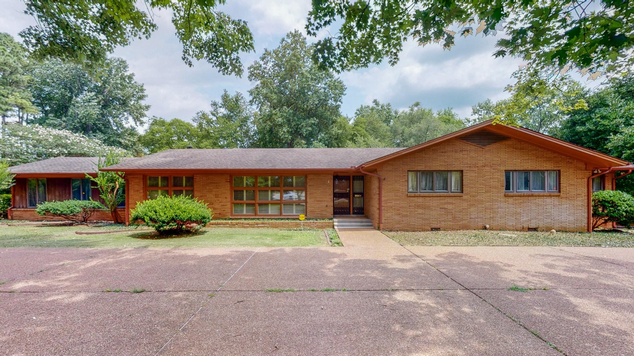 405 Minerva Dr Property Photo 1