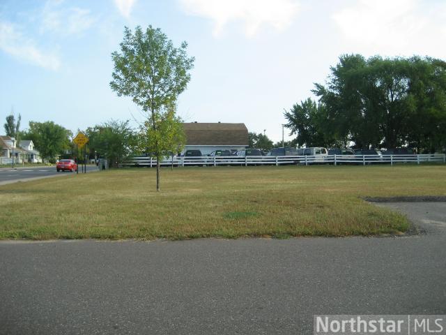 512 Main Street S Property Photo 1