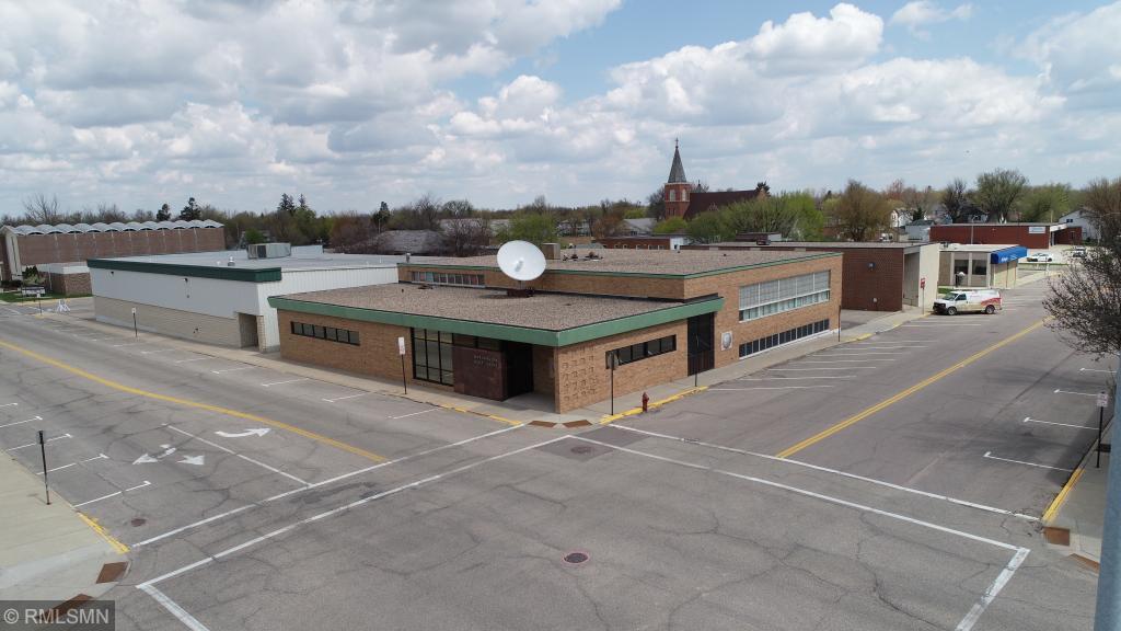 300 11th Street Property Photo - Worthington, MN real estate listing