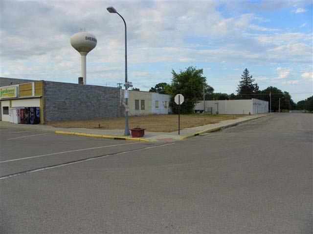100 N Main Street Property Photo - Sherburn, MN real estate listing