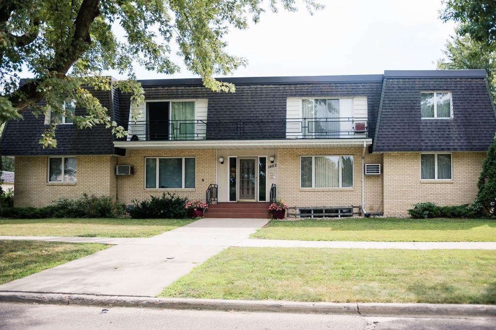 1402 Miller Street Property Photo - Worthington, MN real estate listing
