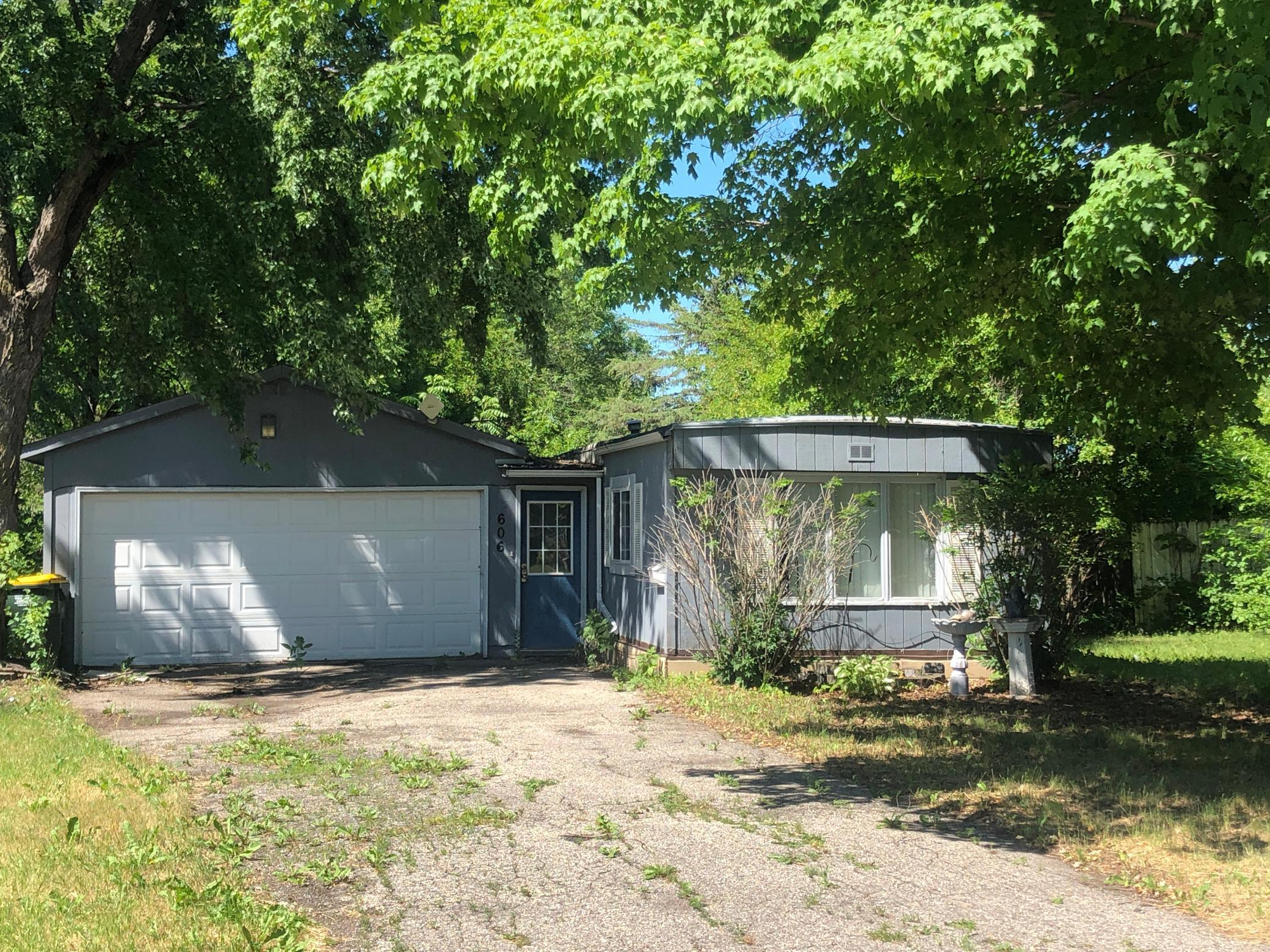 606 Evergreen Property Photo - Olivia, MN real estate listing
