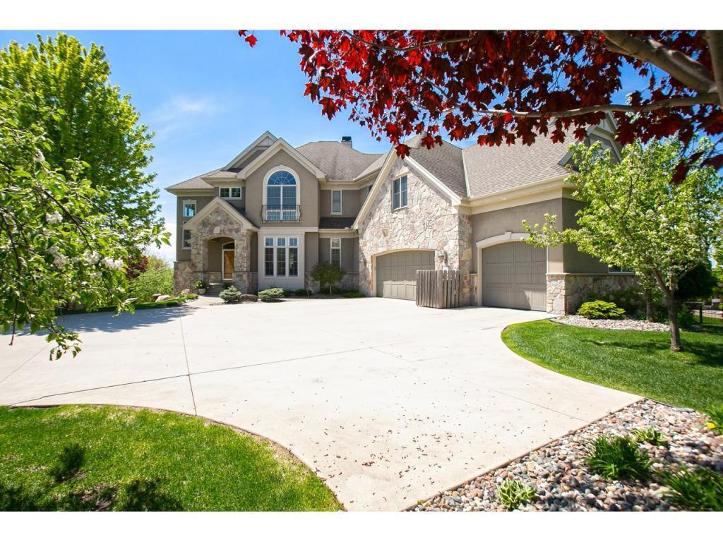 10689 Sonoma Ridge Property Photo - Eden Prairie, MN real estate listing