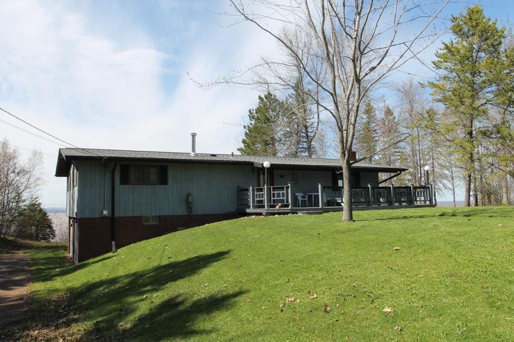 3903 Lake Park Road Property Photo - Ashland, WI real estate listing
