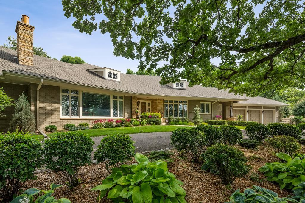 2540 Cedar Shore Drive Property Photo - Minneapolis, MN real estate listing