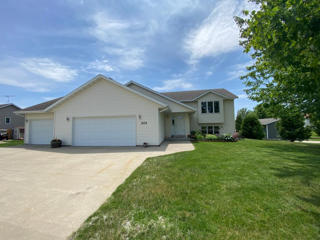 202 James Property Photo - Elysian, MN real estate listing