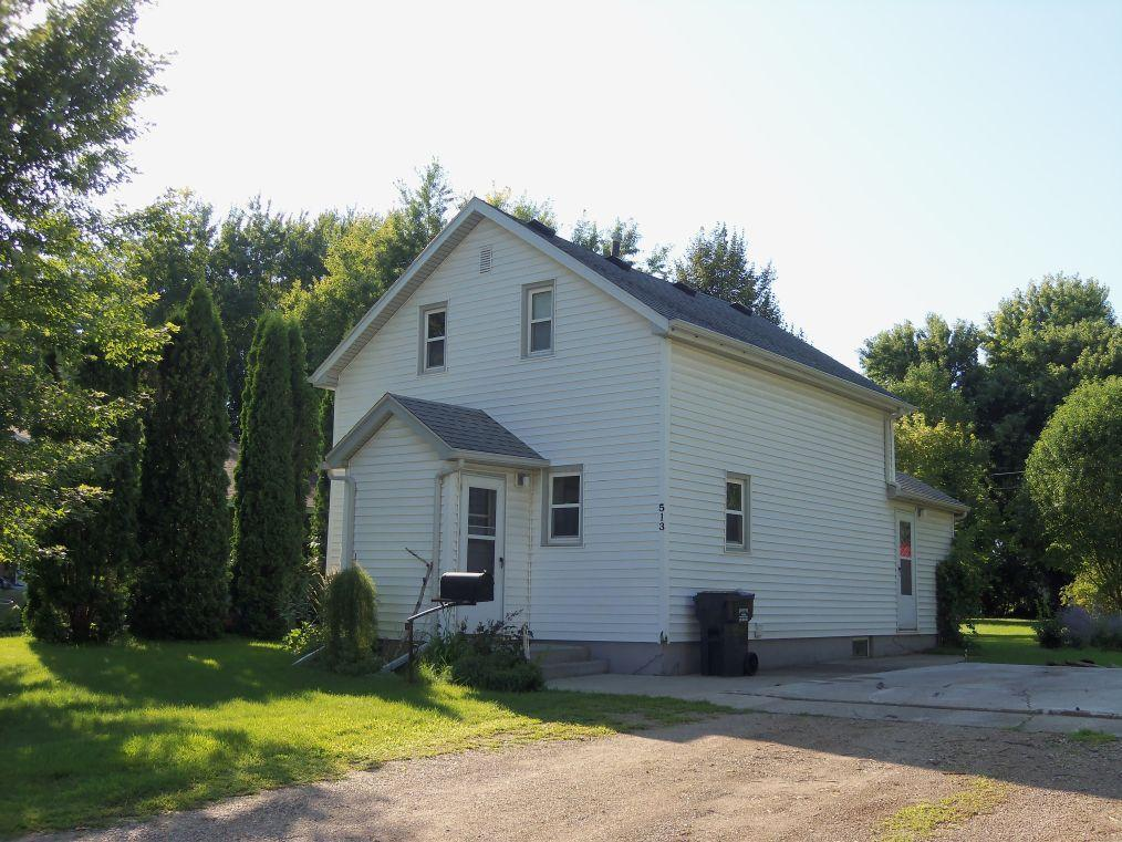 513 E 9th Street Property Photo - Morris, MN real estate listing