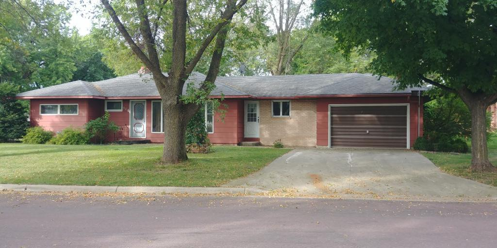 712 S Fir Street Property Photo - Lamberton, MN real estate listing