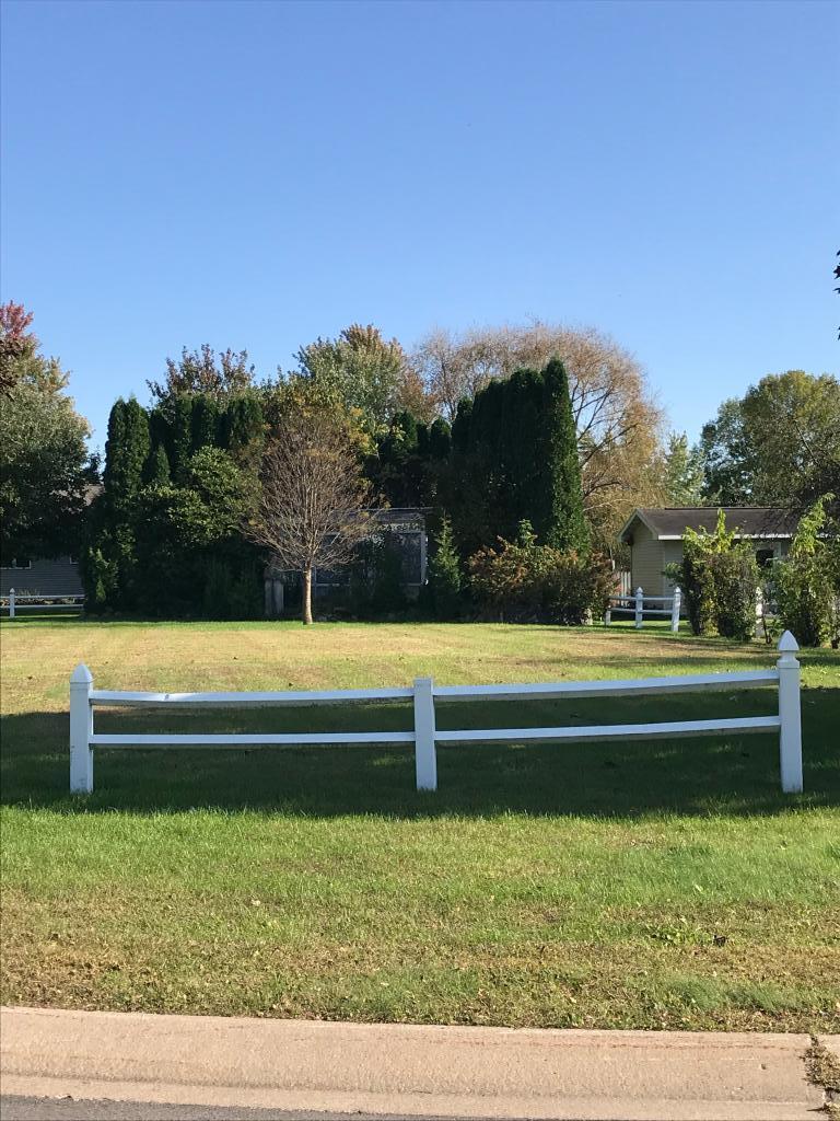 22 Garden Court N Property Photo